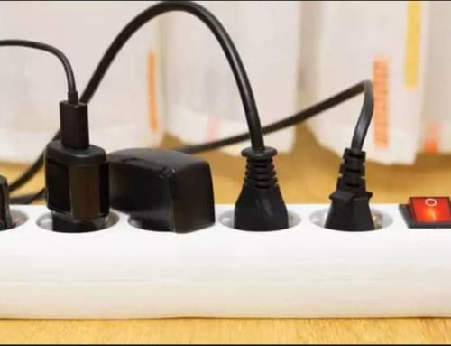 Es millor connectar el PC directament a la presa de corrent?